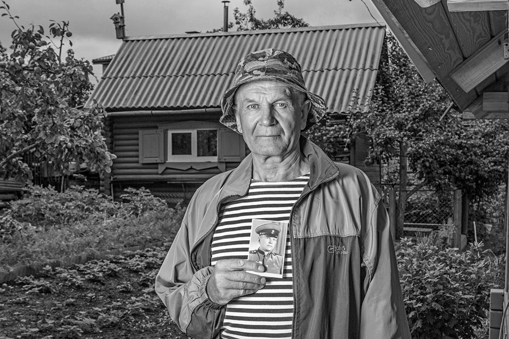 Вадим-Качан-Из-серии-Портрет-с-портретом-снимок-004-