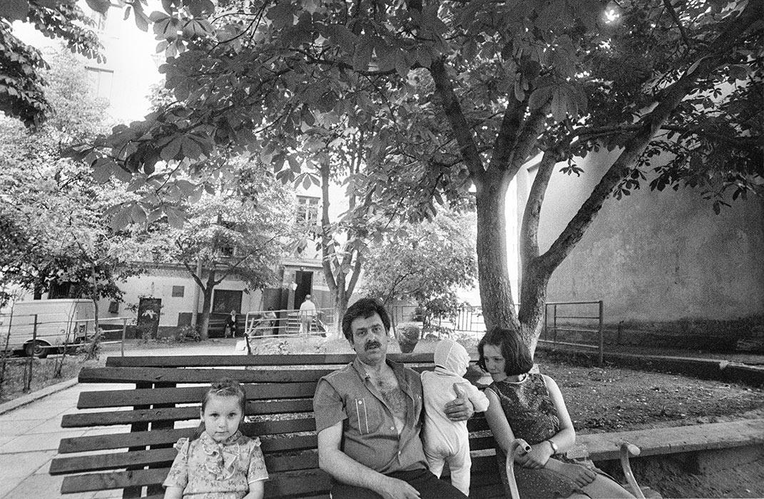 Во дворе. Минск.1986г