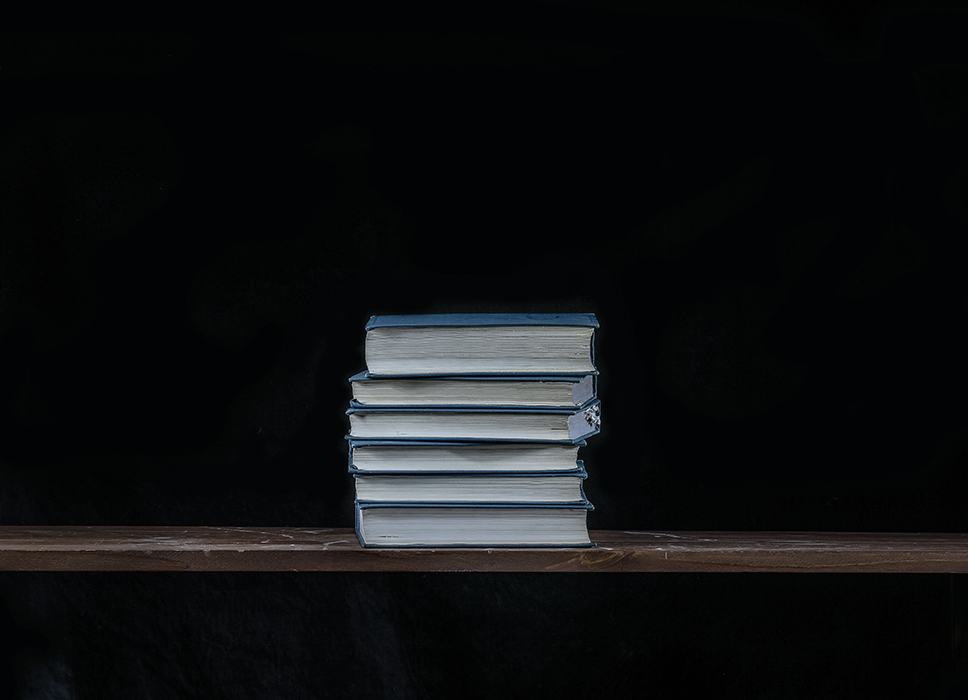 Книги А.П. Чехова.   Люблю их перечитывать. Когда грустно или когда телевизор надоест. Помню в школе осуждали героя рассказа