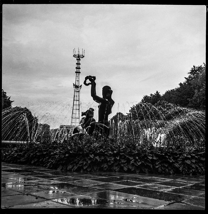 Фонтан в парке Я.Купалы. Минск. 1983г.?
