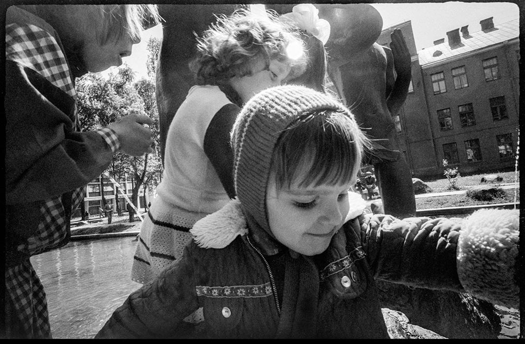 У фонтана на пл.Ленина. Минск. 1988г.