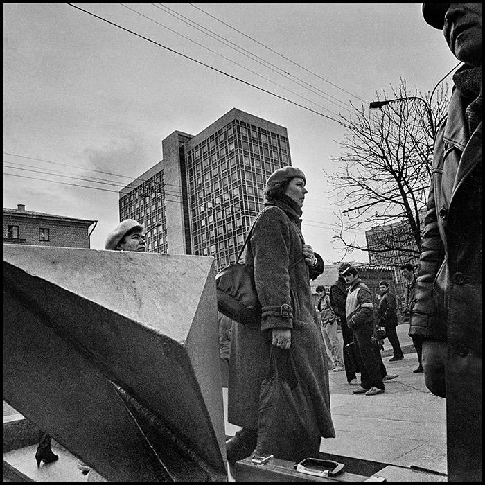 Дама с авоськой на пр-те Машерова (сейчас пр-кт Победителей) Минск, 1986 год