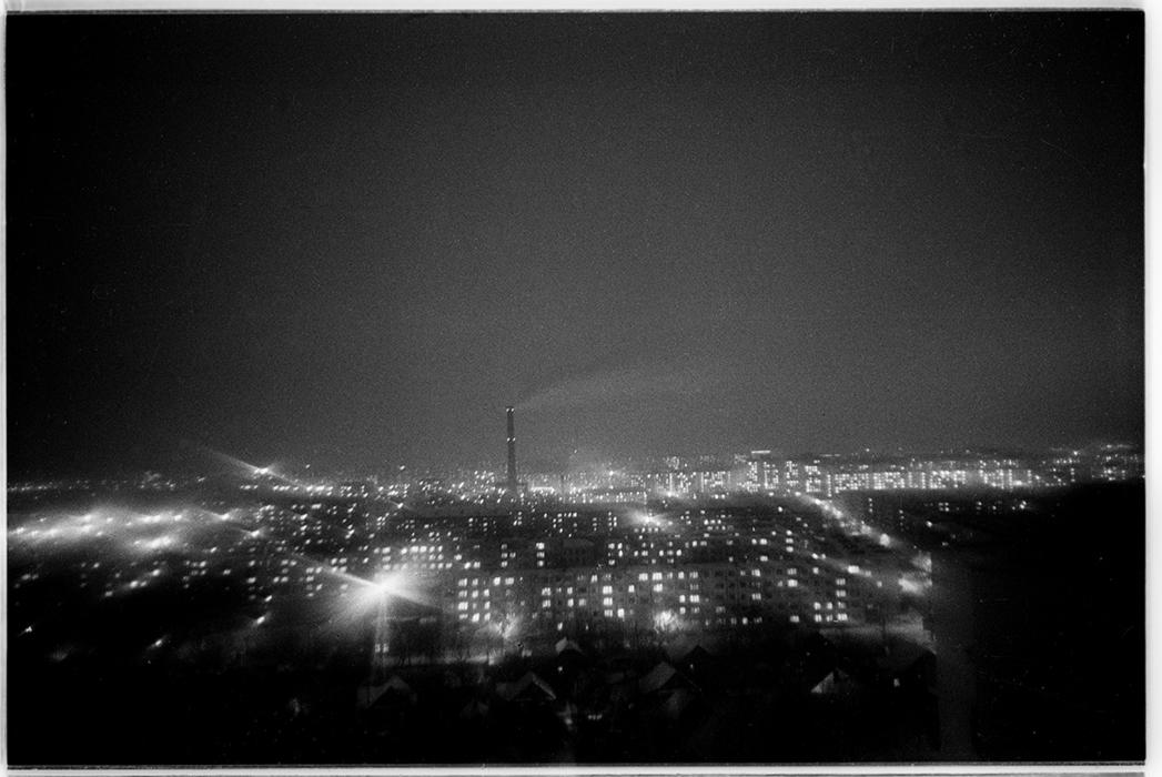 Ночной зимний город. 1989 год