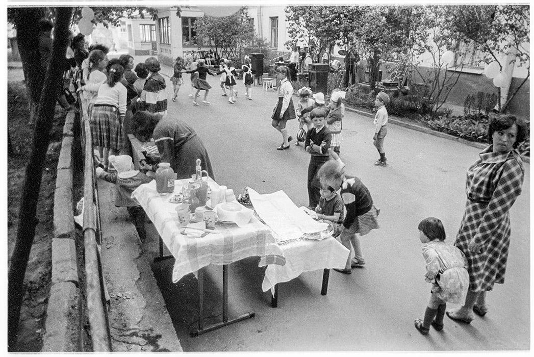 Во дворе дома по ул. Мясников д.35, Минск, 1987 год