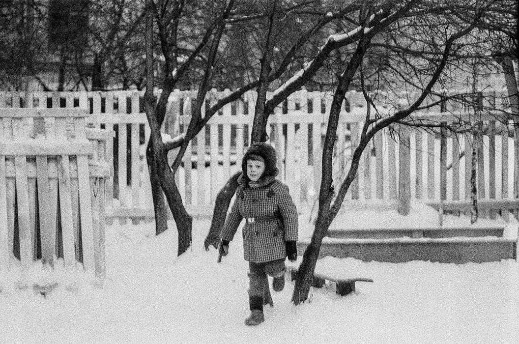 Во дворе дома по ул.Мясникова д.34, Минск, 1987г.