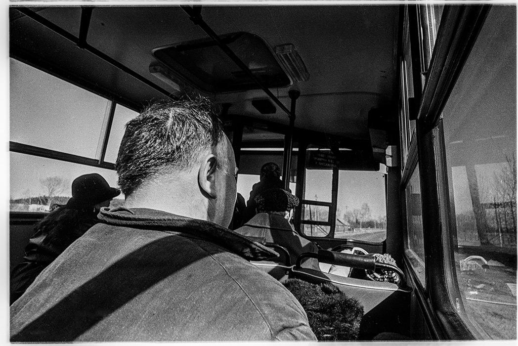 В автобусе. Минский р-н, 1985 год