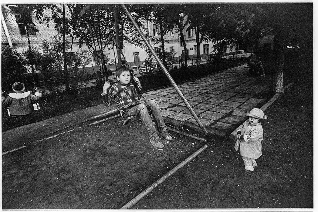 Во дворе дома по ул. Мясникова д.34, Минск, 1987год