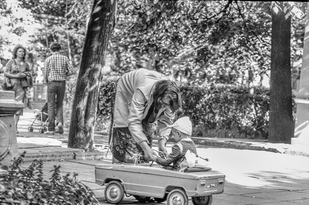 В парке Горького. Минск, начало 80-х