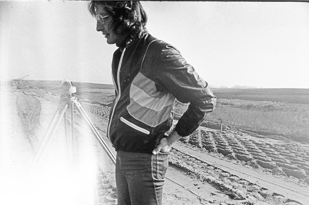 Максим Климкович. Мастер, строитель автодороги Москва-Минск-Брест. (в последующем писатель) начало 80-х