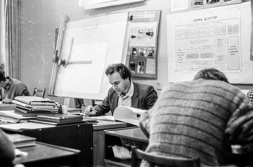 В НИИ. Минск. 1988 год