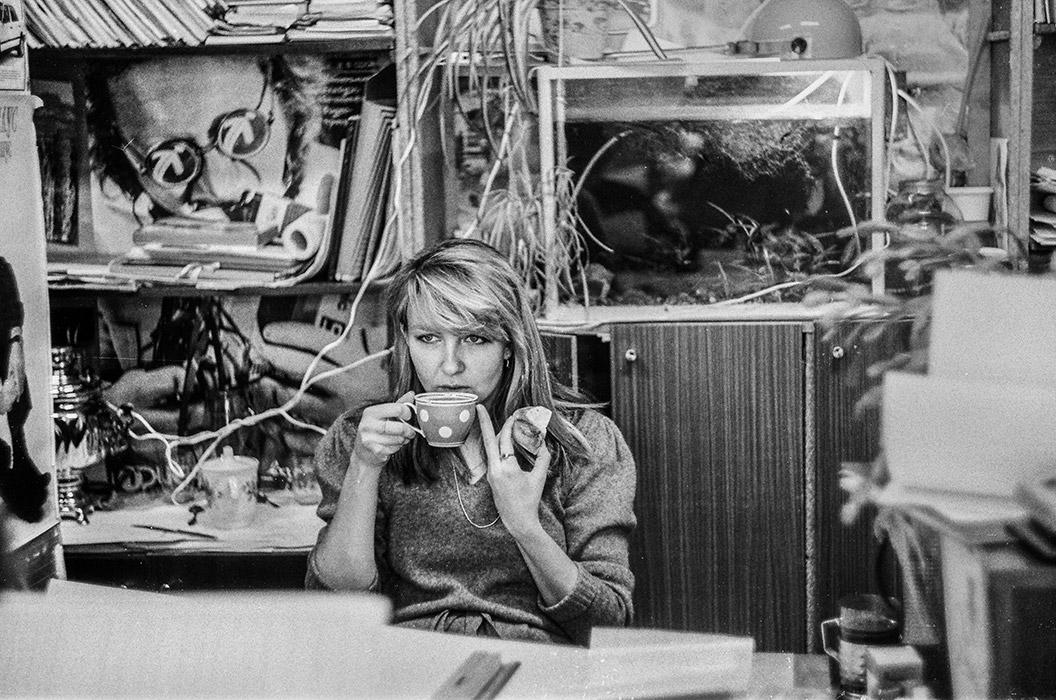 В НИИ. Жанна. Перекус. Минск, 1988год