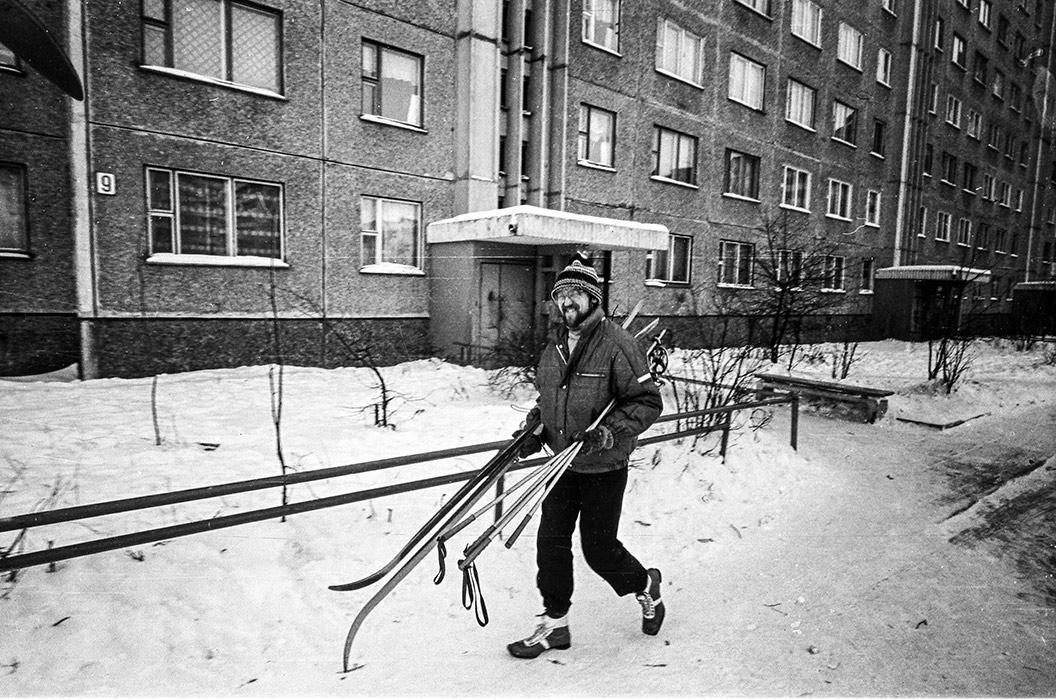 Во дворе. Микрорайон Зеленый Луг, Минск, середина 80-х