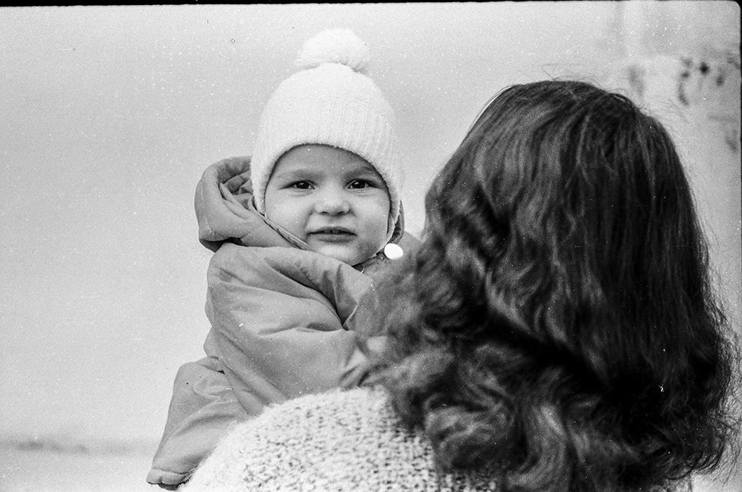 На руках у мамы. Минск, 1985год