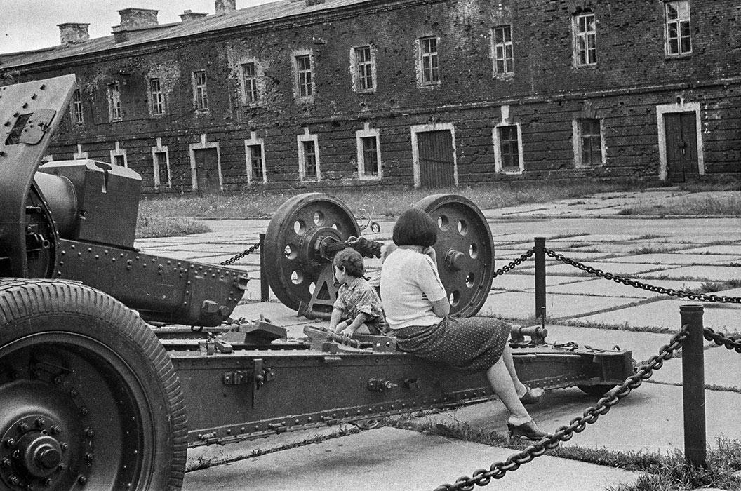 В Брестской крепости. 1986 год