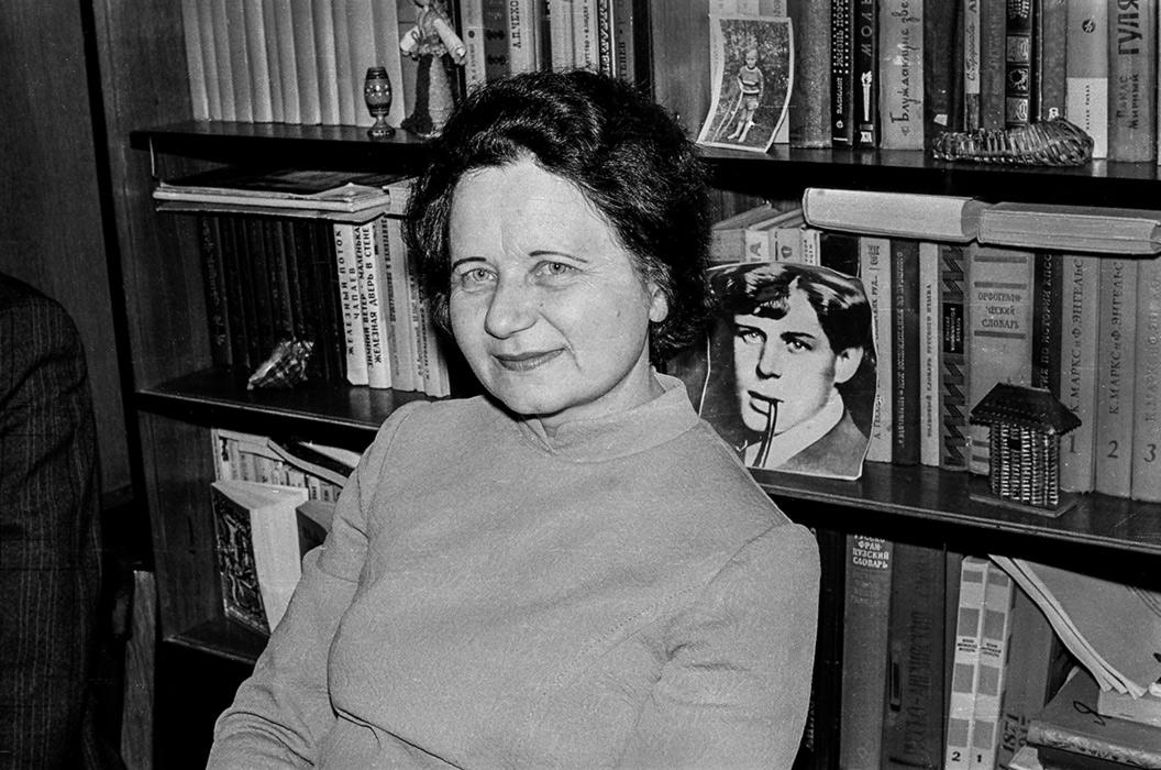 Портрет моей мамы Зинаиды Сергеевны Качан (дев. Арцименя), Минск, 1979 год