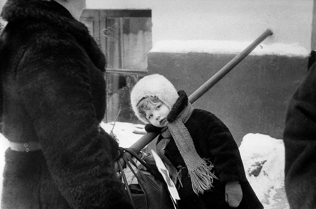 На крыльце. Минск,  начало 80-х
