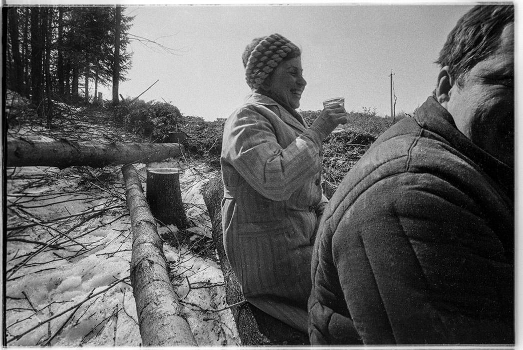 Пикник на субботнике. Автодорога Москва- Минск- Брест, Минский р-н. 1982 год