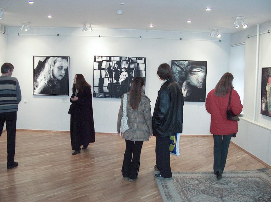 """Выставка """"Фотографии прошлых лет"""", Гомель, 2004 год"""